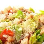 Салат цезарь с чесночным майонезом - рецепт