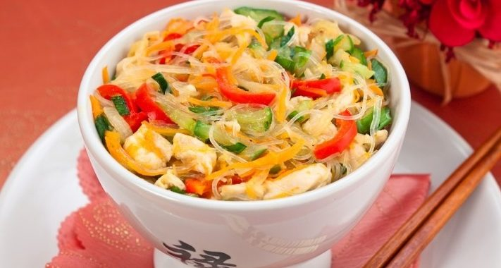 Фунчоза с курицей и овощами рецепт