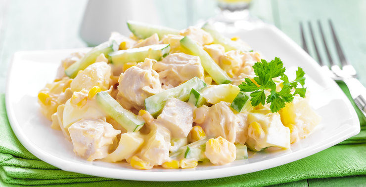 Салат с отварной грудкой рецепт