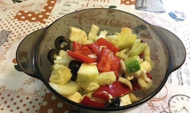 Салат витаминный «Ужин стройной дамы»