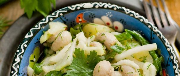 Диетический салат с грибами и овощами