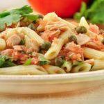 Зеленый салат из макарон с тунцом рецепт приготовления